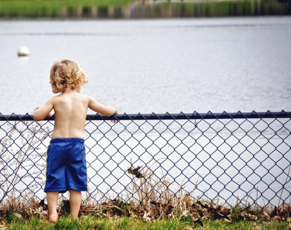 boy-kid-young-water-37740