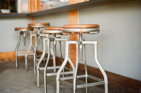 bar-old-stools