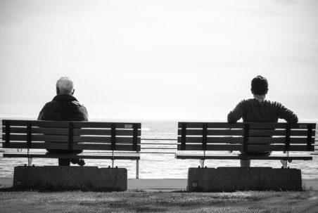 bench-men-view