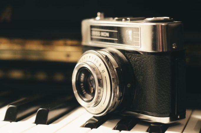 camera-vintage-retro